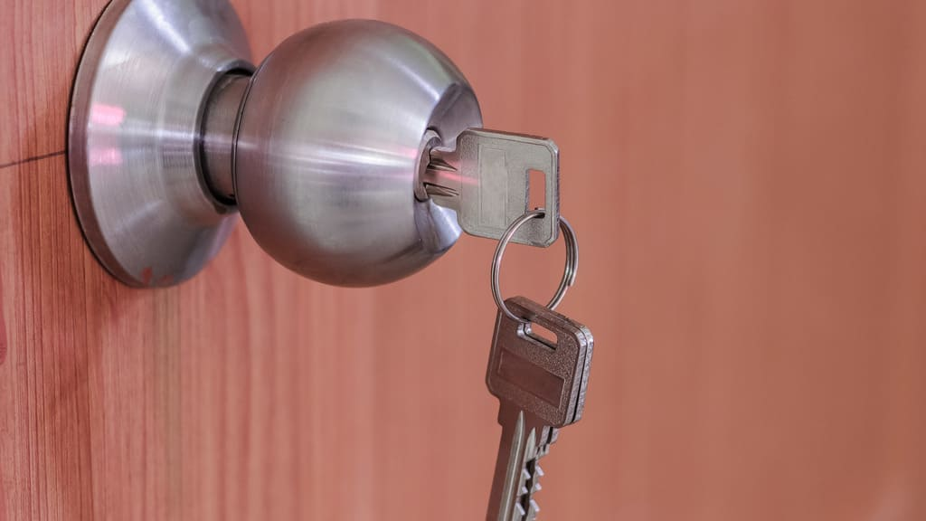 What Services to Expect from Locksmith Service Providers